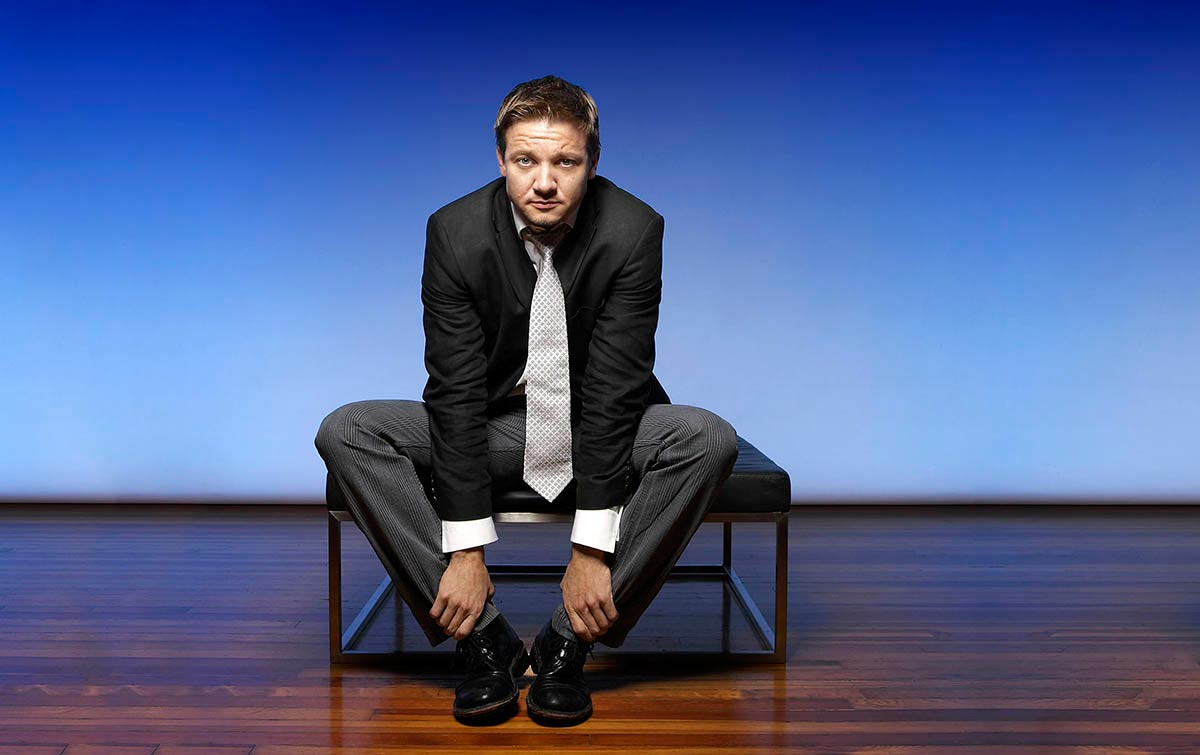 16_Jeremy_Renner_Blue-celebrity-copy